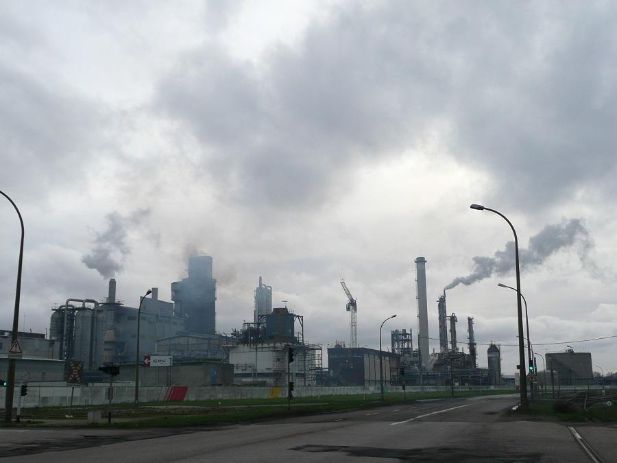 Les industriels doivent s'assurer du bon état et du bon fonctionnement des installations de combustion et des dispositifs antipollution (Illustration©infonormandie)
