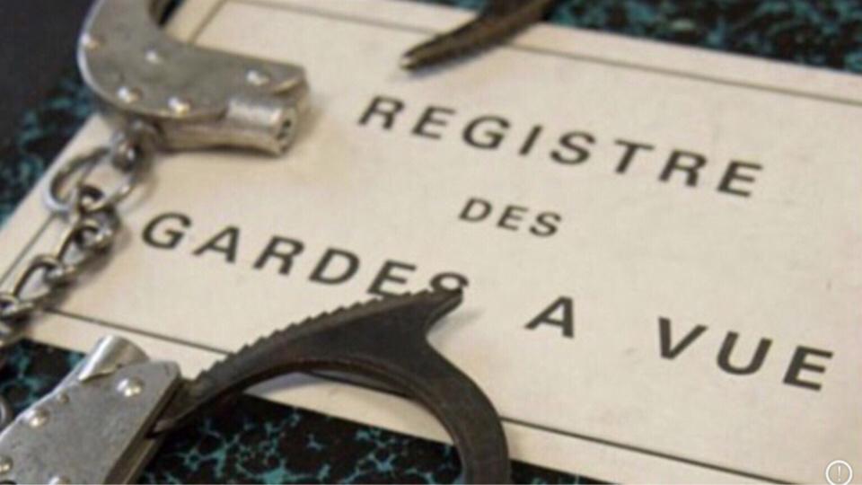 Rambouillet : un voleur a l'étalage menace les agents de sécurité du magasin avec un couteau