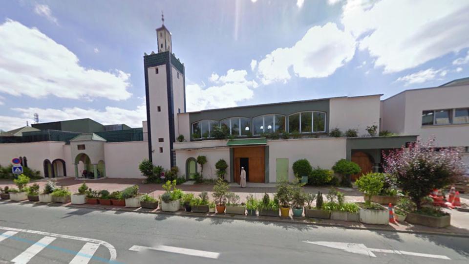 La grande mosquée, rue Denis Papin, au Val Fourré (illustration)