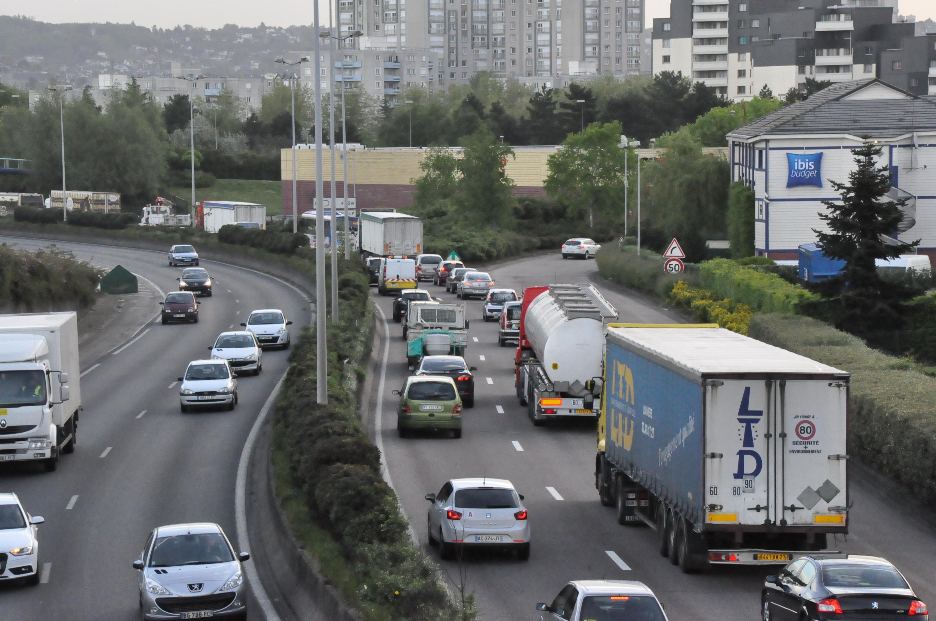 C'est en Île-de-France qu'on attend des ralentissements significatifs sur les axes convergeant vers Paris (Illustration ©infoNormandie)