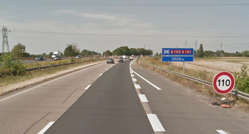 La vitesse maximale est désormais limitée à 110 km/h entre La Vaupalière et le viaduc des Barrières du Havre, suir l'autoroute A150 (Illustration)