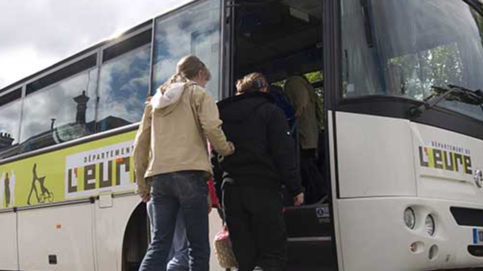 Risque de neige et verglas dans l'Eure : transports scolaires supprimés demain autour de Gaillon