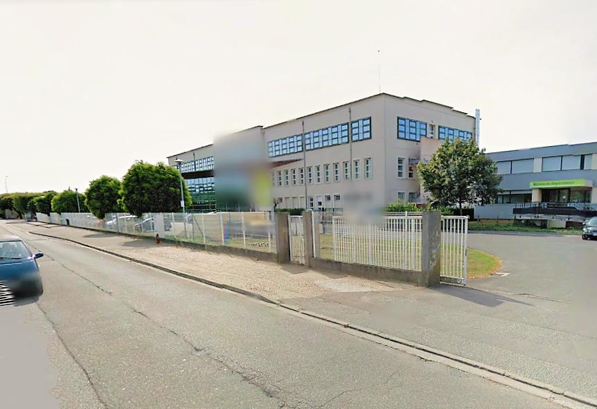 Le chauffeur de car a été pris à partie avenue de l'Industrie à proximité du collège Ariane (Illustration©Google Maps)