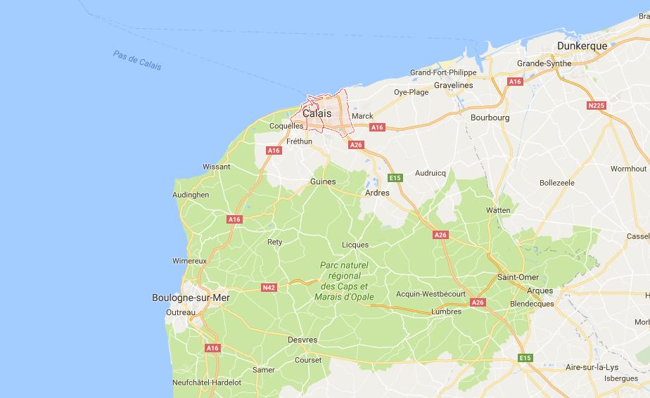 Deux plaisanciers portés disparus depuis mercredi, l'épave de leur navire retrouvée au large de Calais