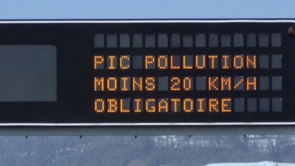 La préfecture de Seine-Maritime recommande d'abaisser sa vitesse de 20 km/h sur les routes et autoroutes du département (Illustration)