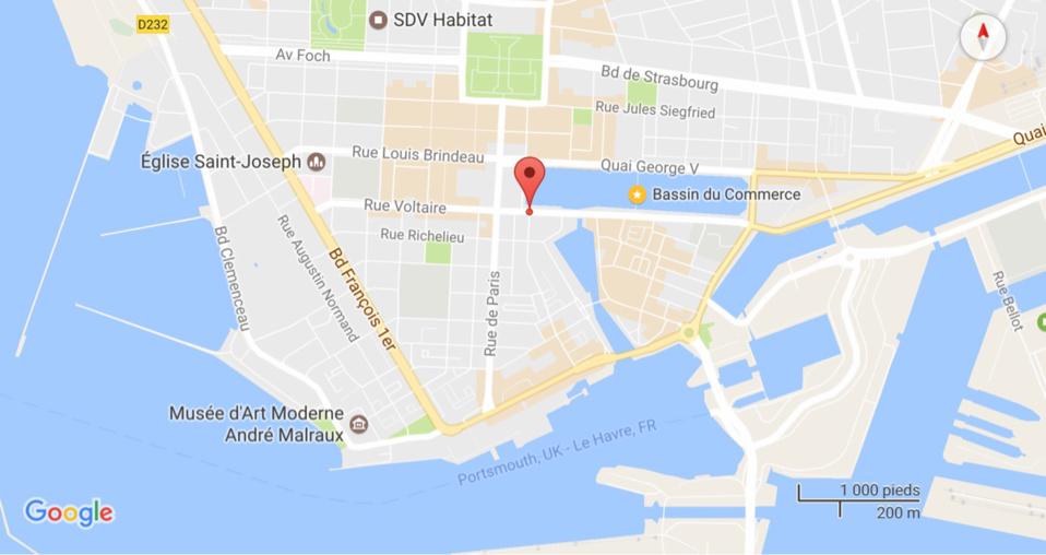 Au Havre, elle jette sa voiture dans le bassin du Commerce : la conductrice sauvée par les plongeurs