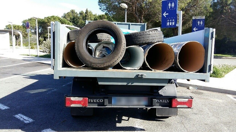 Bayonne : 3 millions d'euros de drogue dissimulés sous le plancher du camion-benne
