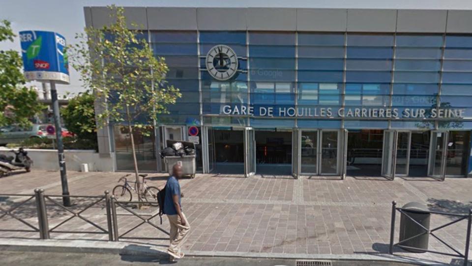 Un homme chute sur les voies en gare de Houilles : le trafic du RER interrompu plus d'une heure