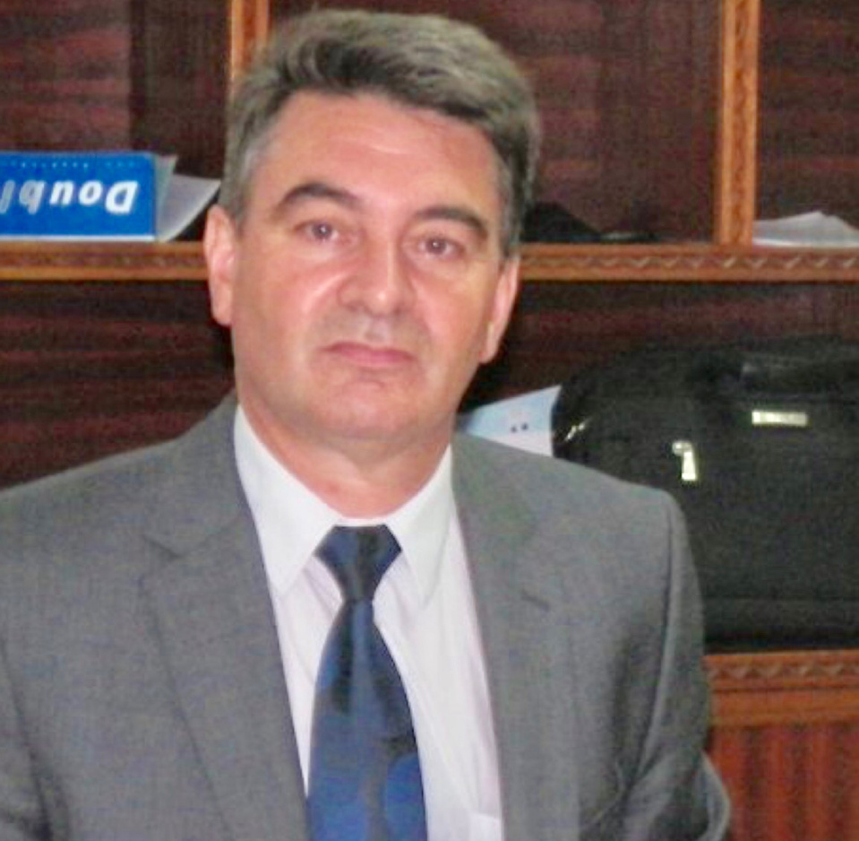 Philippe Laycuras est âgé de 60 ans. Il succède à Emmanuel Le Roy