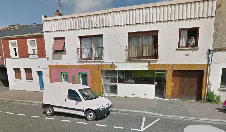 L'explosion s'est produite à l'étage de ce petit immeuble qui abrite deux appartements (Illustration©Google Maps)