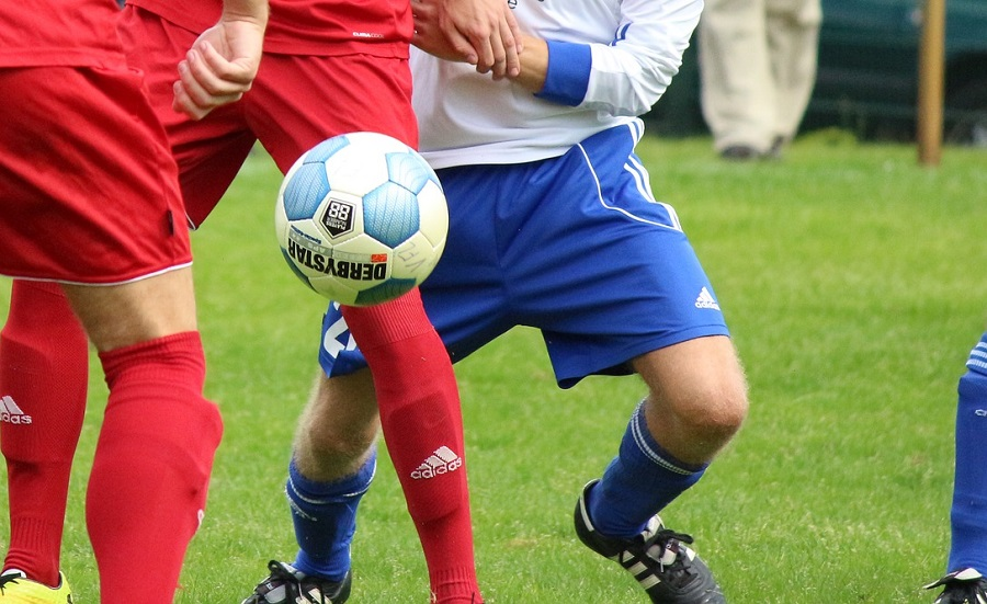 Les deux joueurs en sont venus aux mains pour une raison indéterminée (Illustration©Pixabay.com)