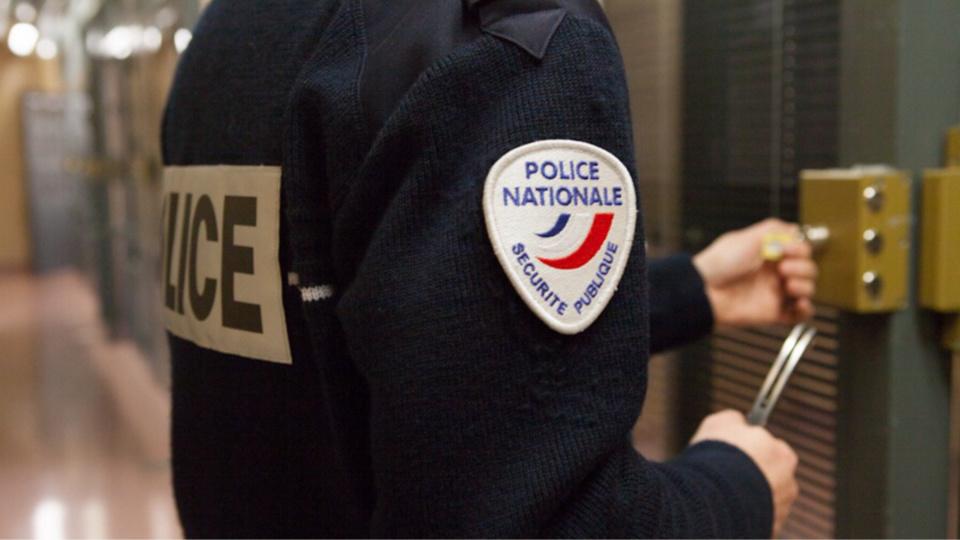 L'agresseur a été placé en garde à vue au commissariat de Saint-Germain-en-Laye (Illustration @ DGPN)