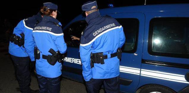 Les cambrioleurs ont été retrouvés et interpellés par les gendarmes du Peloton motorisé de Courbépine moins d'une heure après les faits (Illustration)