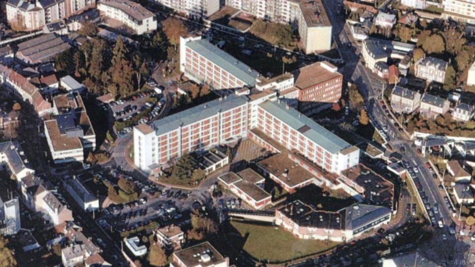 Évreux : trois jeunes gens délogés des toits de l'ancien hôpital Saint-Louis