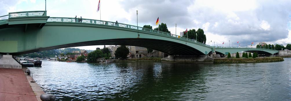 Selon les témoins, la personne était tombée du pont Pierre Corneille (Illustration © D.R.)