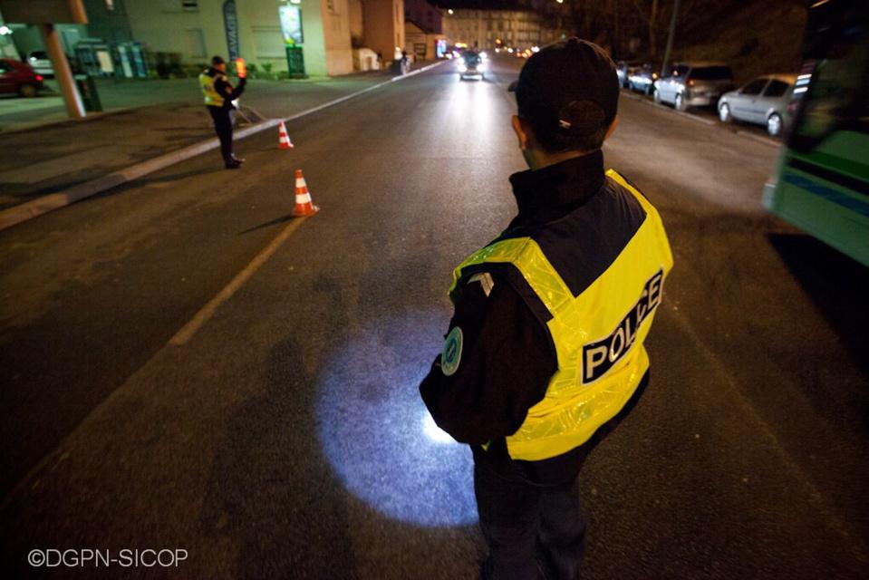 L'attention des policiers à été attirée par la moto qui zigzaguait (illustration)