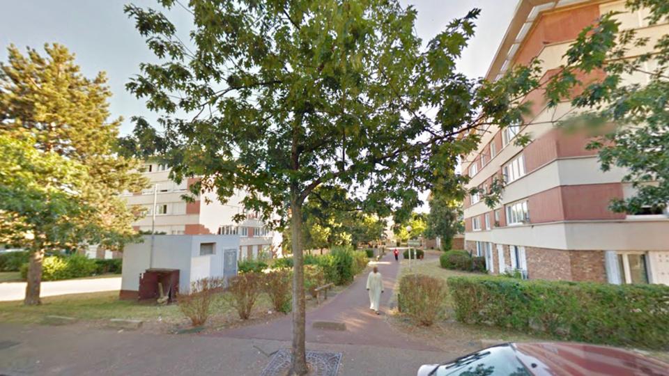 L'accident est survenu place des Violettes, près de la rue des Frères Tissier (illustration @ Google Maps)