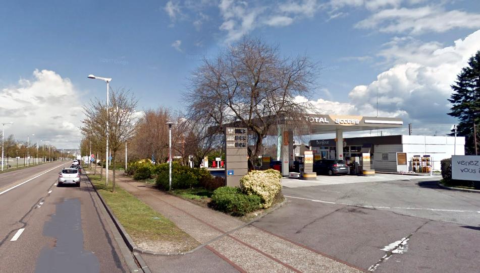 L'employée, âgée de 20 ans, était seule dans la station au moment des faits (Illustration © Google Maps)