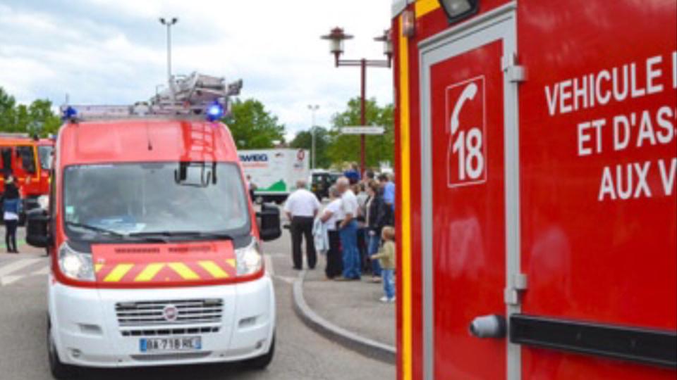 La sexagénaire a été sortie de son véhicule en par un voisin, un sapeur-pompier en repos (Illustration)