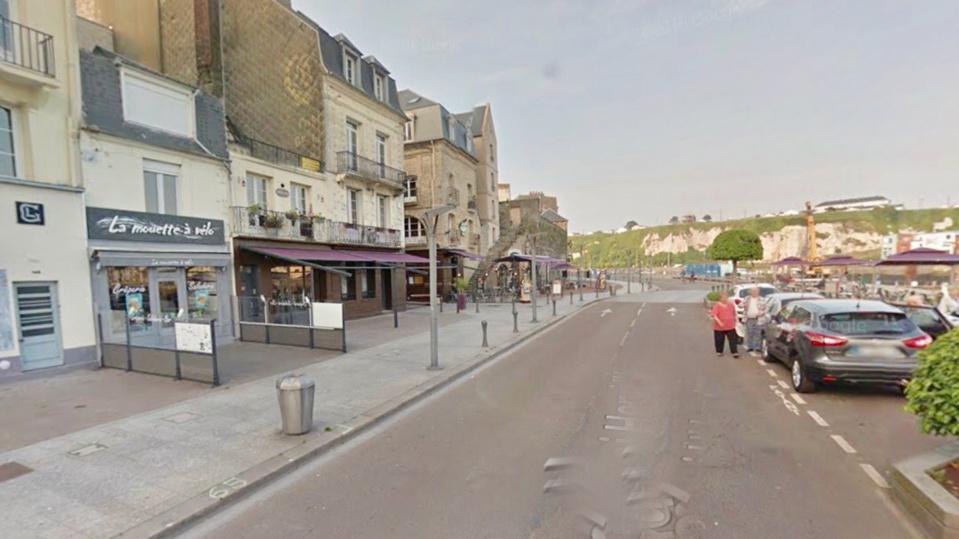 L'incident s'est produit au 112 quai Henri IV peu avant 15h30 (illustration)