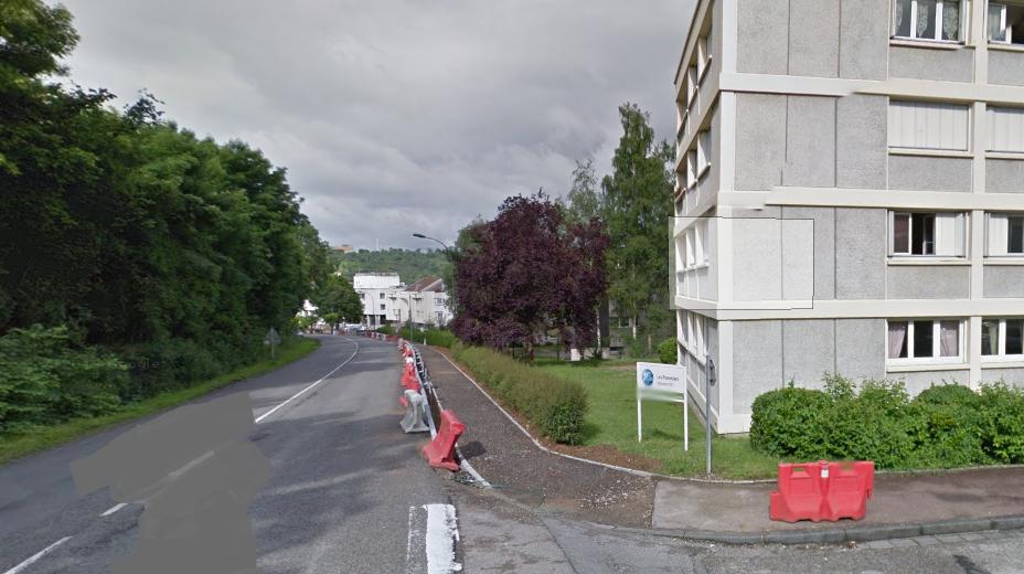 La conduite de gaz a été endommagée par un engin de chantier avenue René Coty. Les locataires d'un des immeubles de la résidence Les Pommiers ont été confinés chez eux (Illustration © Google Maps)