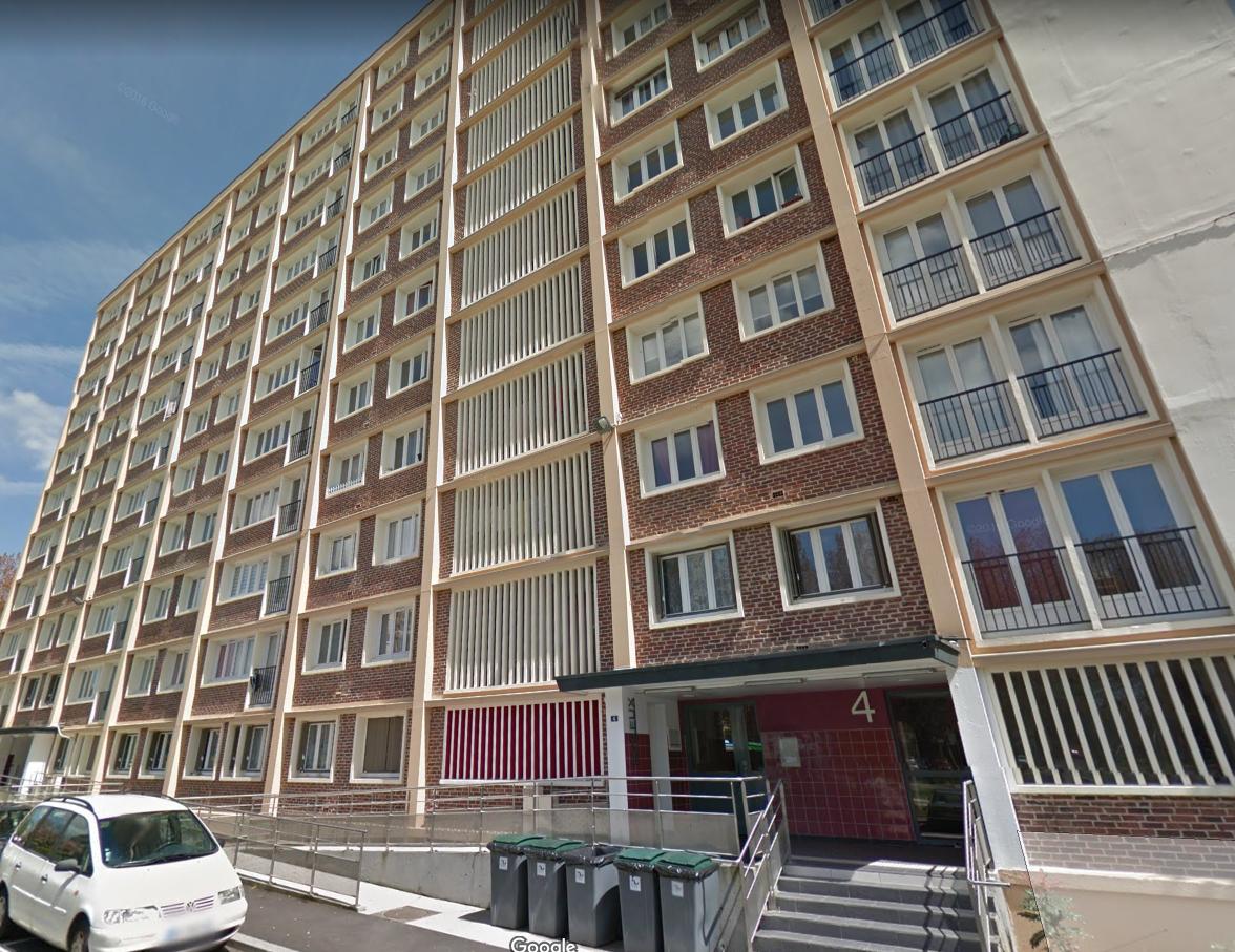 L'incendie s'est déclaré au 7ème étage. Le détecteur de fumée a réveillé la locataire qui a pu donner l'alerte rapidement (Illustration)