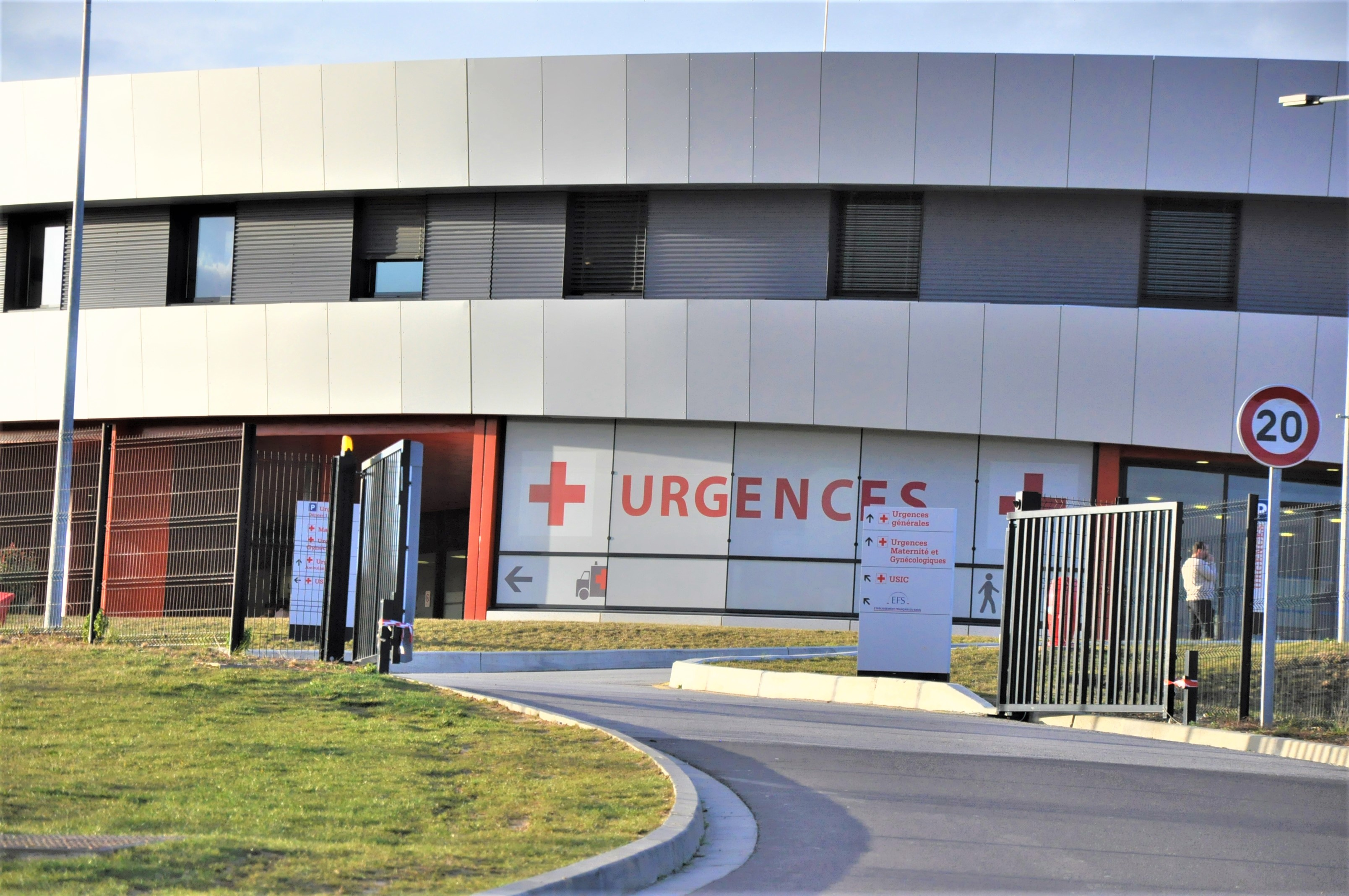 Le couple a été admis aux urgences du centre hospitalier de Cambolle (Photo © infonormandie)