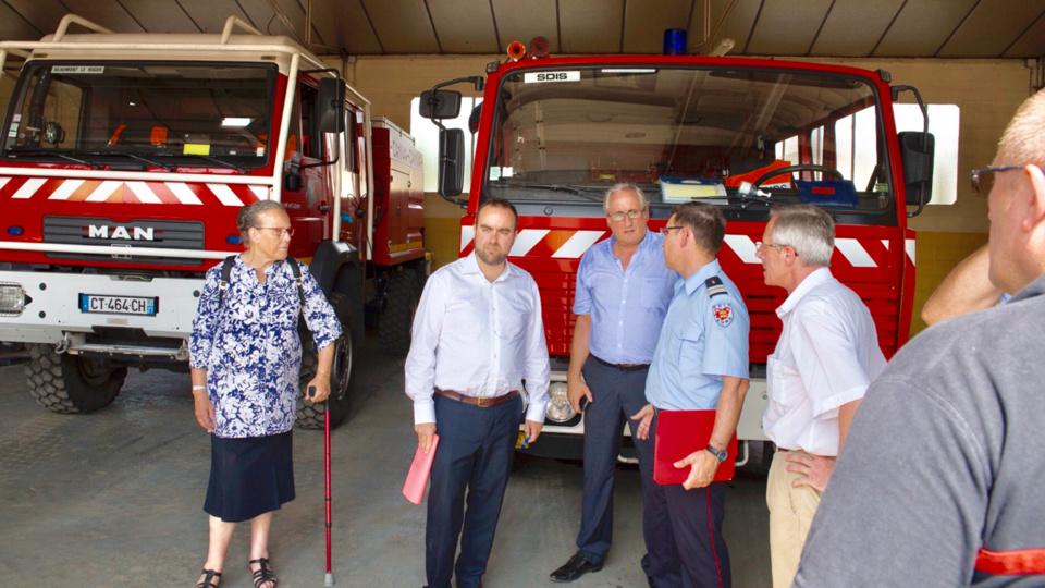 Sébastien Lecornu lors de sa visite, mercredi, au centre de secours de Beaumont-le-Roger (Photo ©Département27)
