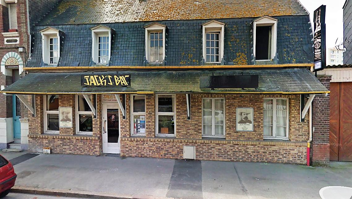 Une altercation entre Cédric et le gérant du Jack's Bar aurait éclaté le soir du 1er mars 2017. Le corps de Cédric a été découvert quatre mois après sa disparition enterré dans l'arrière cour de la pizzeria, avenue des Canadiens (Illustration ©Google Maps)