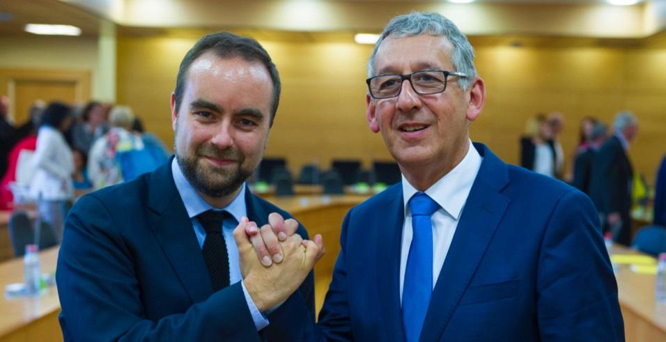 Passation de pouvoirs ce matin entre Sébastien Lecornu et son successeur Pascal Lehongre, nouveau président du Conseil départemental de l'Eure (Photos ©CD27)
