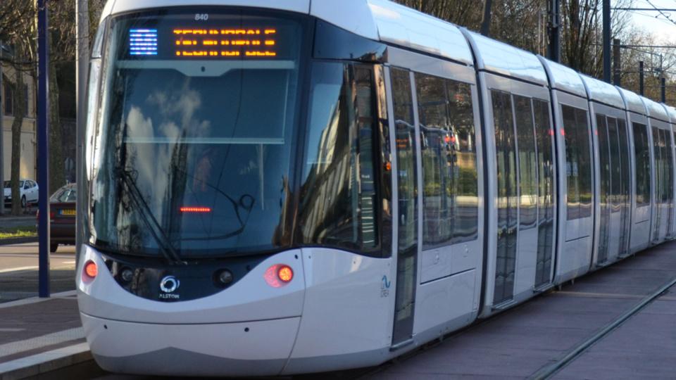 Une voiture percute une rame de métro à Sotteville-lès-Rouen : un blessé