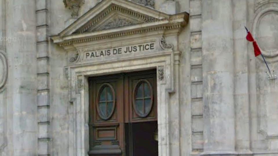 Le père violent a été jugé en comparution immédiate devant le tribunal correctionnel d'Évreux
