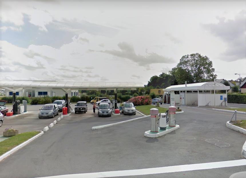 Le mis en cause s'est attaqué à l'aspirateur de la station-service pour dérober la menue monnaie qu'il contenait (illustration ©Google Maps)