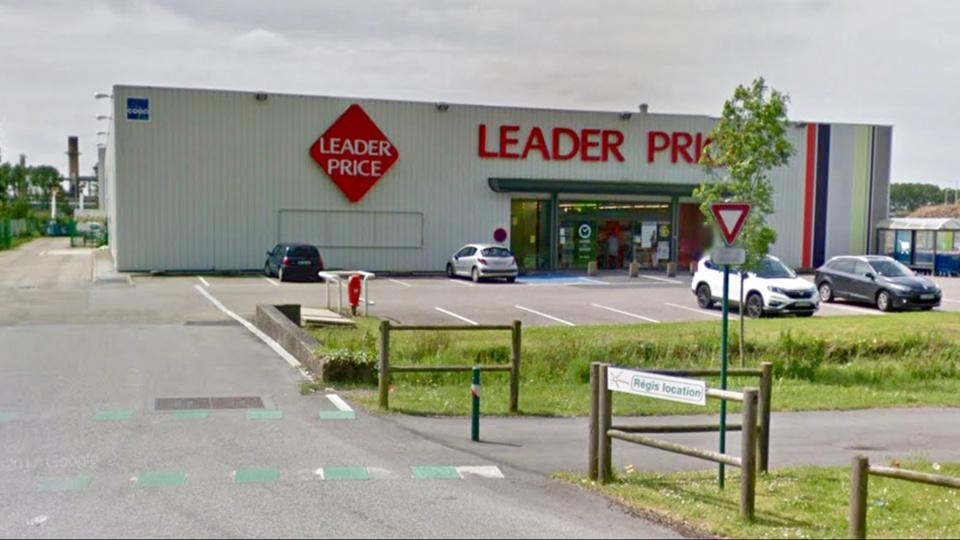 Les salariés venaient de prendre leur service quand les deux individus ont fait irruption (illustration @Google Maps)