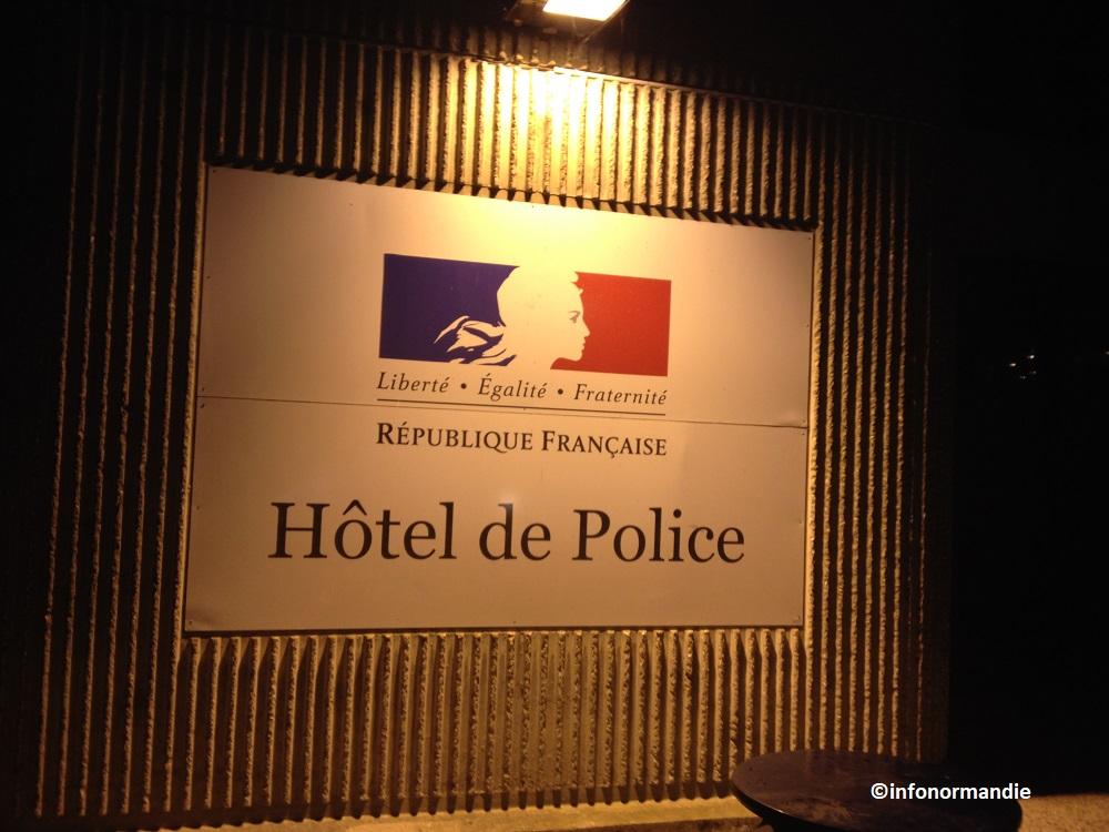 Ivre et sans permis, le conducteur a été placé en dégrisement à l'hôtel de police (Photo © infoNorfmandie)