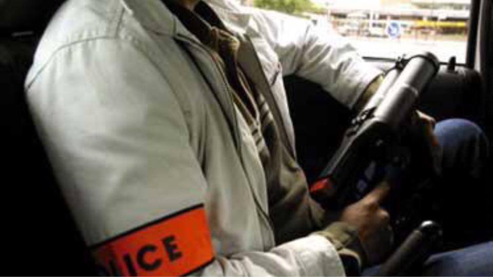 Les policiers en civil ont suivi discrètement la voiture suspecte avant de l'intercepter (Illustration)