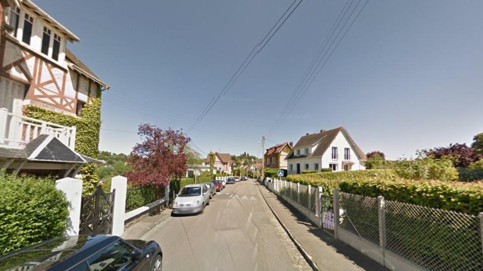 La tentative de vol par fausse qualité a eu lieu au domicile d'un habitant de la rue des Bulins, un quartier résidentiel de Mont-Saint-Aignan (illustration  @ Google Maps)