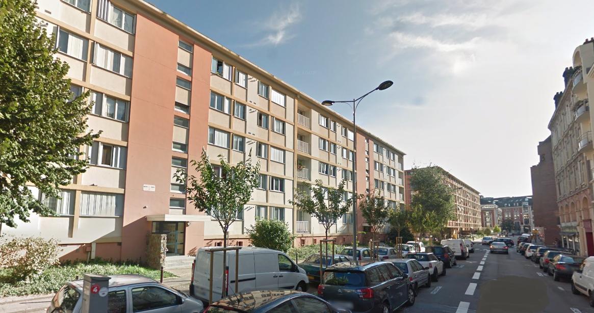 L'homme achuté du quatrième étage de cet immeuble, rue Ambroise-Fleury (Illustration © Google Maps)