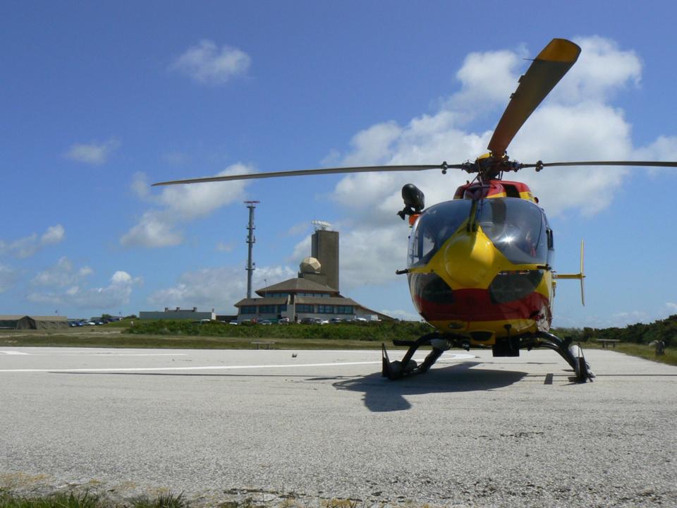 Le marin blessé a été héliporté au CHU de Rouen par Dragon 76 (Photo @ Préfecture Maritime)