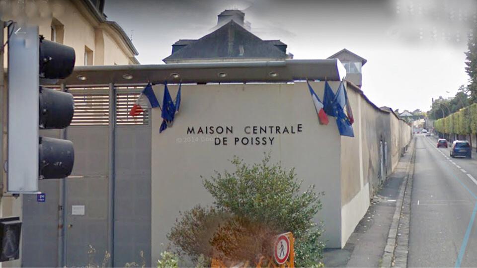 Maison centrale de Poissy : un détenu met le feu à sa literie, deux autres blessent des surveillants