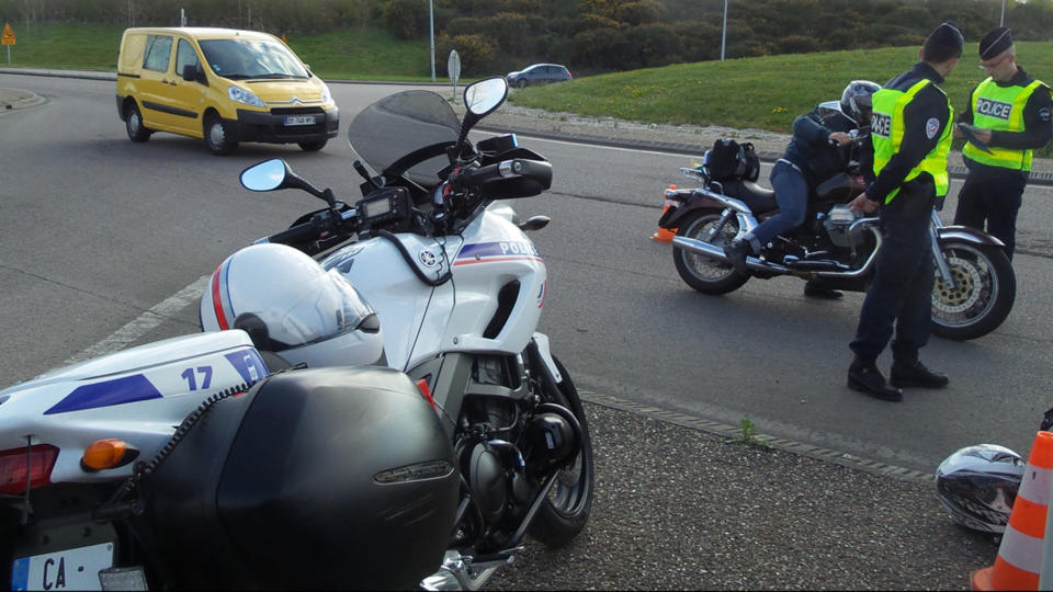 Le motard a refusé de se soumettre au contrôle des policiers et a pris la fuite (Illustration @ DDSP76)