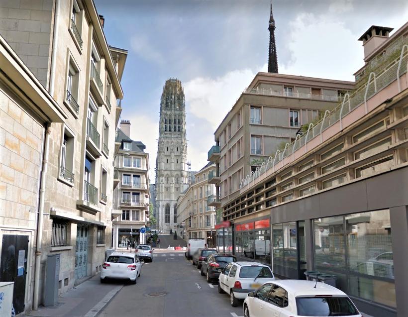 La femme s'est jetée par la fenêtre d'un appartement de la rue de la Tour de Beurre (Illustration)