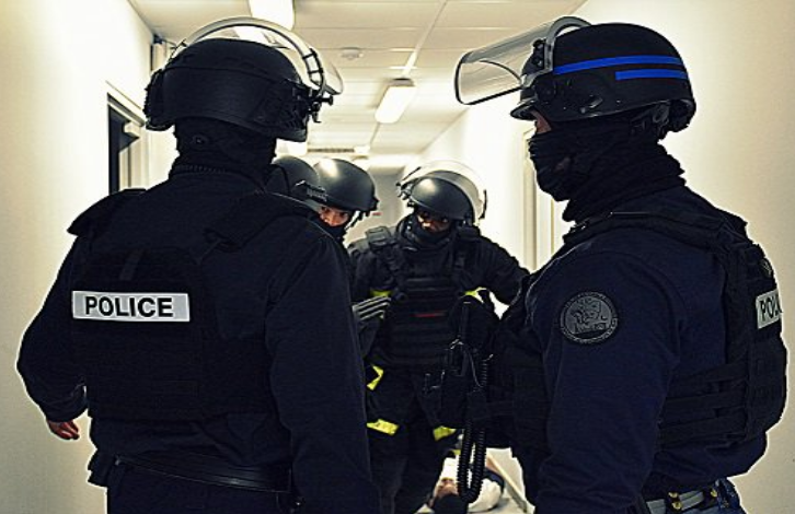 D'importantes forces de sécurité ont été déployées cet après-midi (Illustration © DDSP76)