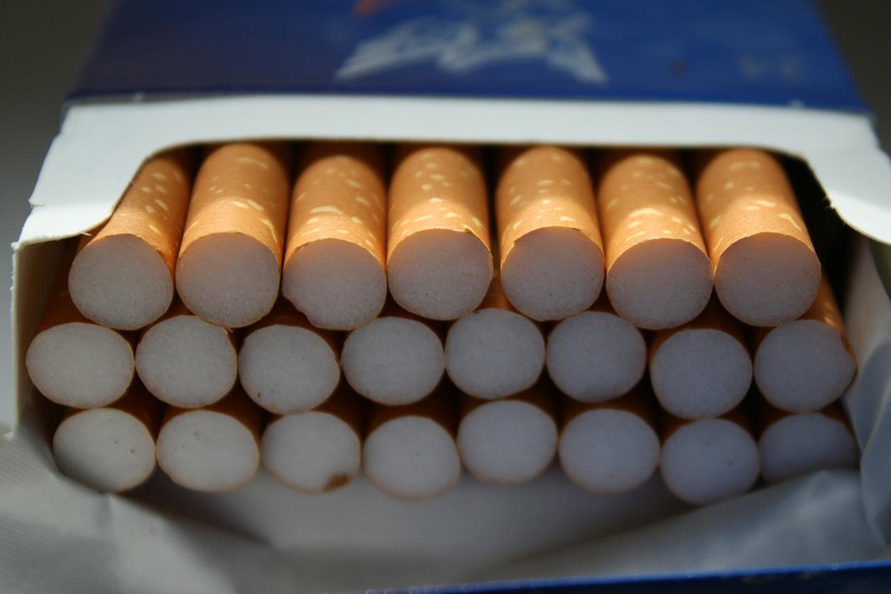 Deux cartons contenant au total 50 cartouches de ciagarettes ont été dérobés (Illustration © Pixabay)
