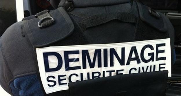 Les démineurs ont passé le sac suspect au radioscope, sans avoir à utiliser d'explosif  (Illustration)
