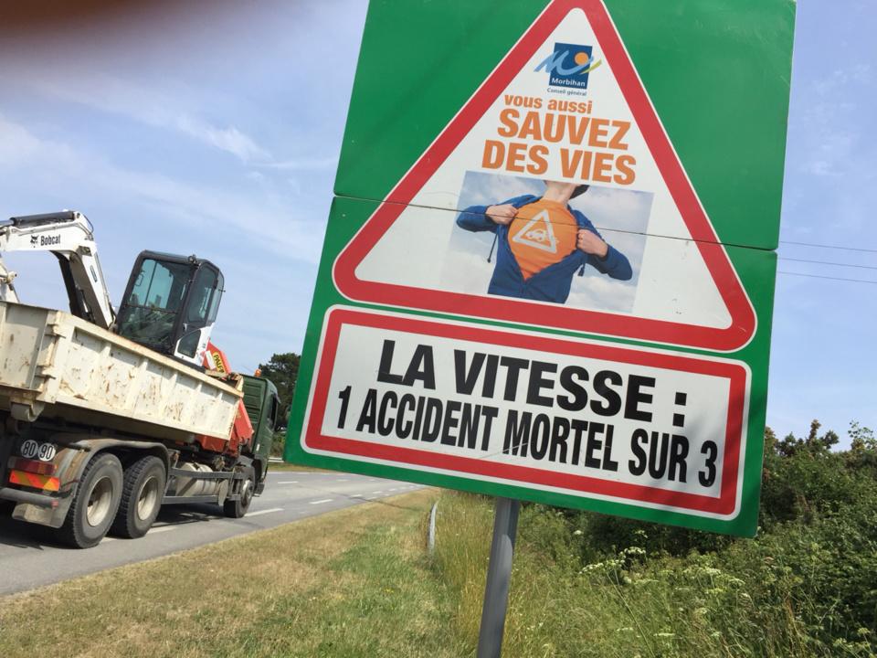 Dès le 1er juillet prochain, la vitesse sera abaissé à 80 km/h sur les routes départementales non aménagées de voies centrales (illustration @ infoNormandie)