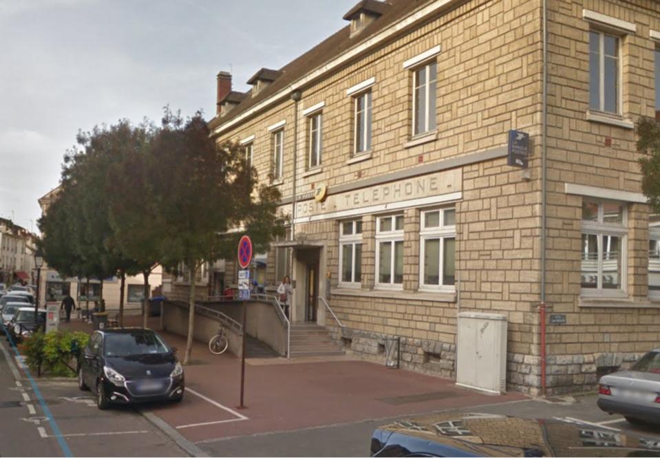 Le bureau de poste, avenue Maurice-Berteaux, est situé près de la mairie (Illustyration © Google Maps)