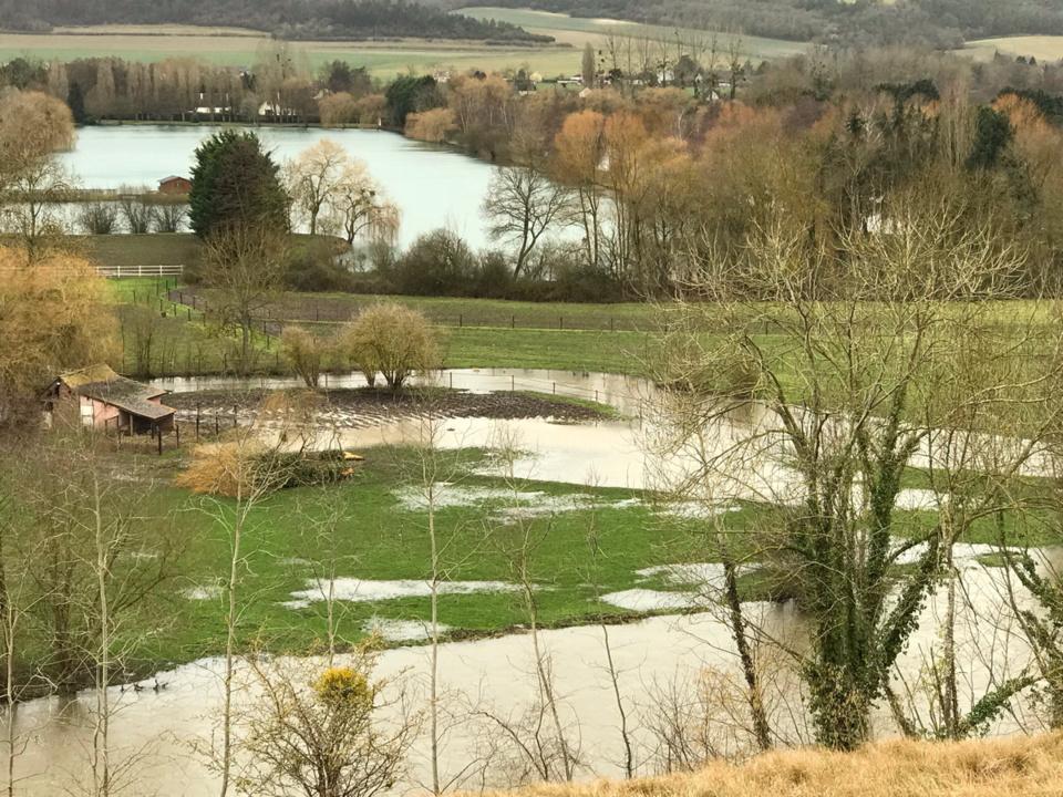 Inondations aussi dans la vallée d'Eure, près de Pacy-sur-Eure (Photo © infoNormandie)