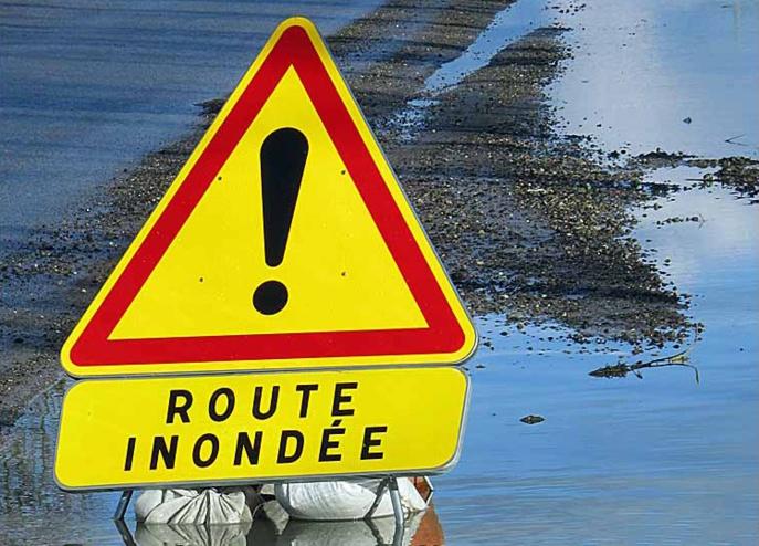 Les débordements, plus généralisés, nécessiteront la mise en œuvre de mesures préventives de restriction de circulation sur certains axes routiers, indique la préfecture de Seine-Maritime (Illustration)