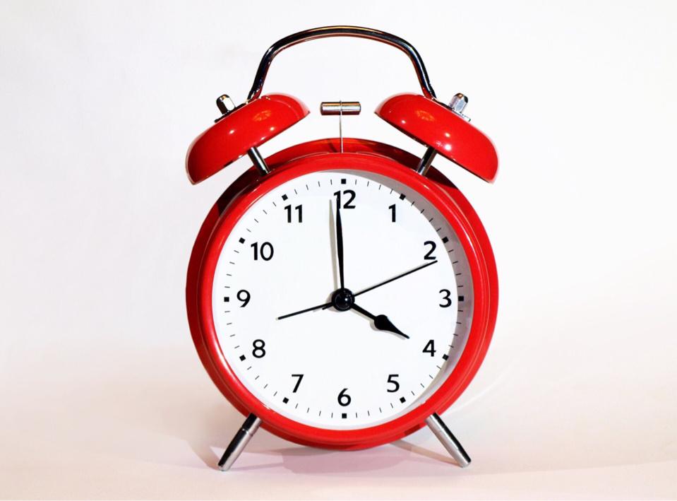 Il faudra avancer son réveil d'une heure dimanche à 2 h pour être à l'heure d'été (Illustration @ Pixabay)